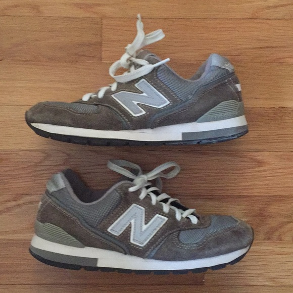 brand new 1b0d8 7935a New Balance 595 Women s Sneakers. M 5a4a9df98af1c558ed056aac